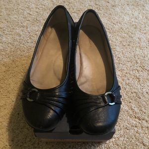 G.H. Bass & Co. Black Flats Women's Size 7